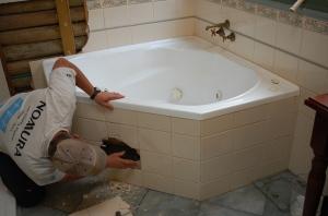 5.Smashing the bath